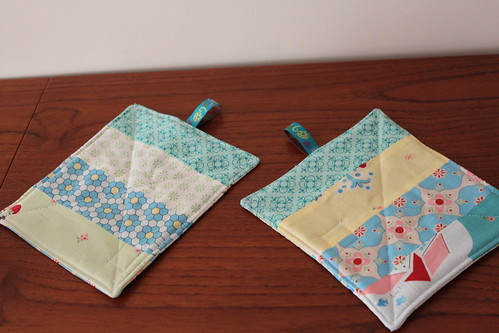 "Conjunto 2 Descansa-Canecas ""Soft Japan"""