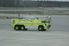 Manchester-Boston Regional Airport Emergency Equipment (FlyingJ31) Tags: ford truck fire tank engine firetruck emergency firefighter deploy tanker yello firebrigade emergencyequipment arff planespotting42111