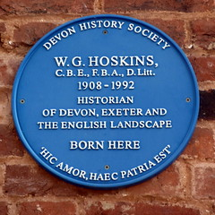 Photo of W. G. Hoskins blue plaque