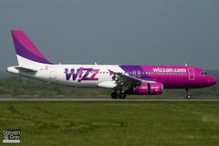 HA-LWC - 4323 - Wizzair - Airbus A320-232 - Luton - 110420 - Steven Gray - IMG_4445