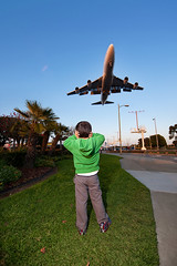 Airplane's Coming (Shawn S. Park) Tags: california airplane losangeles airport shawn lax d700 sc28 sb900 1424n