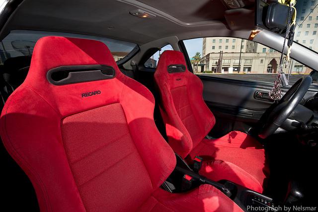 Stock Itr Seats Vs Red Recaros Clubintegra Com Acura Integra Rsx Forum