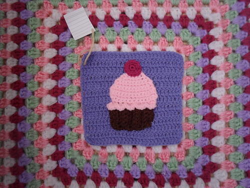 I love this Cupcake Square for our Challenge! Yummy!