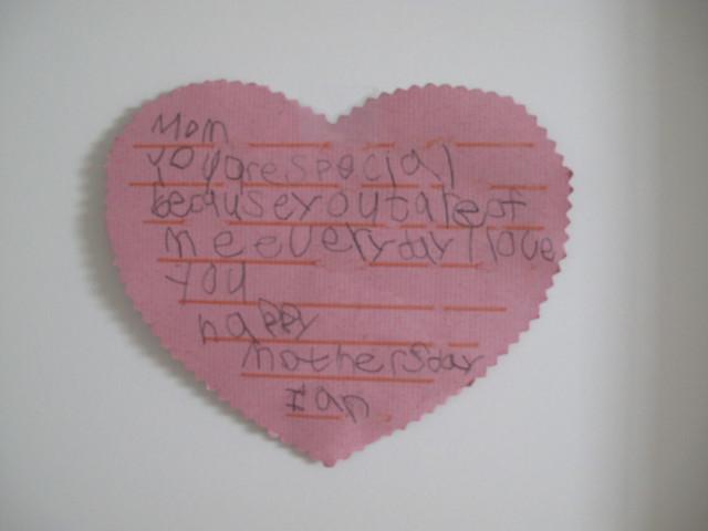 哥哥第一次寫的母親節卡片2011