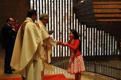 Ofrendas en la Misa - 1 (Santuario Torreciudad) Tags: america montserrat pueblos lourdes peregrinacion encuentro santuario virgenmaria torreciudad elpilar latinoamericanos rutamariana