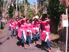 K L U N G K U N G  - B A L I (Bismo Triastirtoaji) Tags: klungkung bali indonesia lombok shalat sholat muslim outdoor