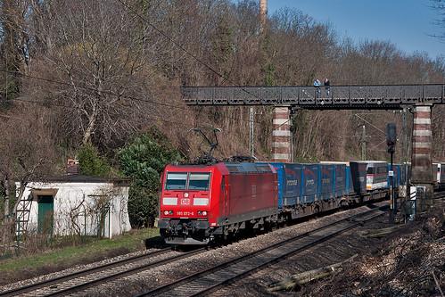 Damit's unter Draht auch was elektrisches gibt: 185 072 zieht ihren Güterzug über den Südring
