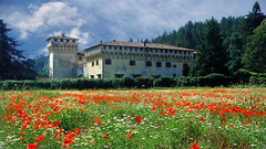 Il Castello di Cafaggiolo (d.carradori) Tags: italy panorama beautiful photoshop landscape photo photos natura tuscany firenze landschaft rosso paesaggi atmosfera paesaggio castelli fotografo danilo papaveri particolari fotoclub supershot flickrsbest passionphotography diamondclassphotographer eliteimages fotoclubilbacchino castellimedicei
