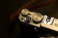 IMG_4234 (M@vErcK) Tags: leica macro fujifilm 90mm f4 m9 rm x100 elmarm