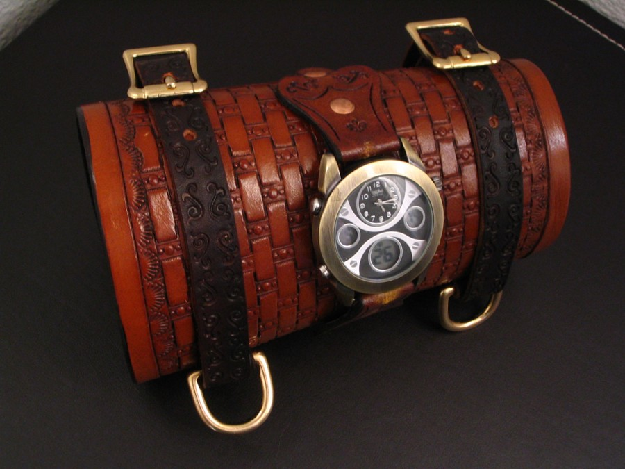 Explorer watch wrist cuff