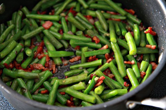 Creamy Green Beans | TheNoshery.com | #Thanksgiving