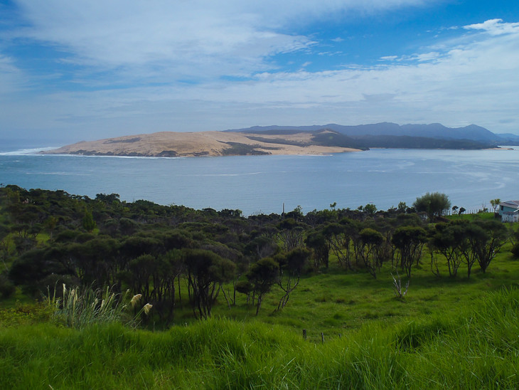 Sandboarding-Hokianga-new-zealand