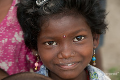 Curious Girl at Garo Village - Srimongal, Bangladesh (uncorneredmarket) Tags: girl kids children village bangladesh dpn srimongal garo srimangal garovillage