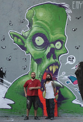 ZOMBIE DEVORADOR DE CACA STREET-ARTERA (emy mariani) Tags: mural zombie emymariani leanfrizzera