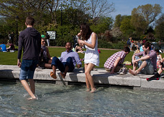 Lady D's fountain (Che-burashka) Tags: park street uk england people london water fountain spring weekend joy citylife documentary leisure hydepark londonist goodweather canonef28mmf18usm aprilwarm ladydianasmemorialfountain