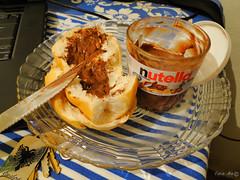 nutella <3 (TevoMota) Tags: brasil chocolate sony comida nutella es prato po mota dsc mesa santo espirito faca chaveiro pinheiros estvo hx1 tevomota