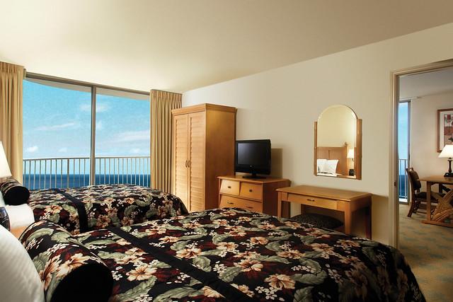 エンバシー スイーツ ワイキキ ビーチ ウォークに宿泊するオアフ島ツアー(ANA直行便)