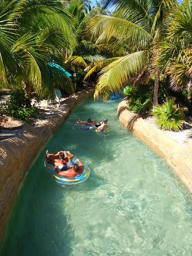 Afbeeldingsresultaat voor lazy river aquaventure