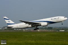 4X-ECB - 30832 - El Al Israel Airlines - Boeing 777-258ER - Luton - 110424 - Steven Gray - IMG_4839