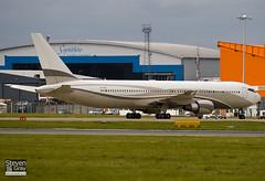 P4-MES - 33425 - Roman Abramovich - Boeing 767-33AER - 081004 - Luton - Steven Gray - IMG_8997