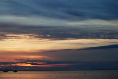 Amanecer en Santiago de la Ribera. (Luis Costa G.) Tags: espaa luz beach sunrise spain mediterraneo playa murcia amanecer nubes marmenor sanjavier santiagodelaribera costacalida maanadeinvierno