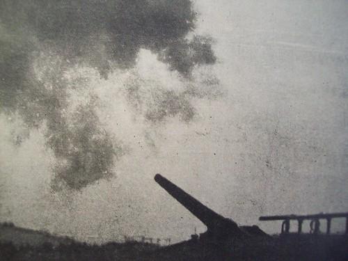 CAPI - Bateria de 320mm, a fazer fogo em Courcelles