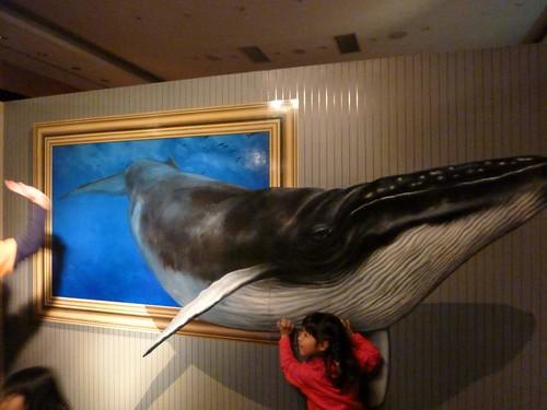クジラを支えてみたり