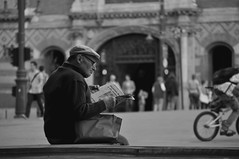 (amanadaRa) Tags: plaza blackandwhite hungary afternoon grandfather oldman hungarianman hungarianoldman