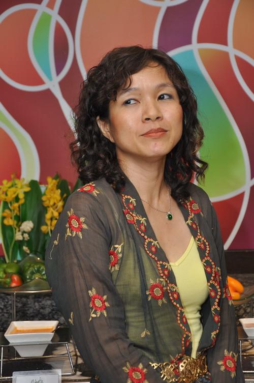 Debbie Teoh 3