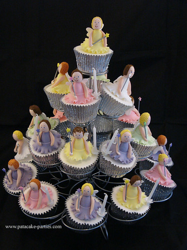 5698744293 253bb00738 Fairy Cupcakes That Will Make Your Party Magic