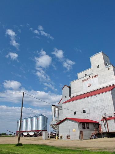 Grain elevator in Simpson
