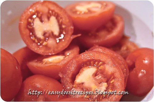 Stuffed tomatoes:fresh ripe tomatoes