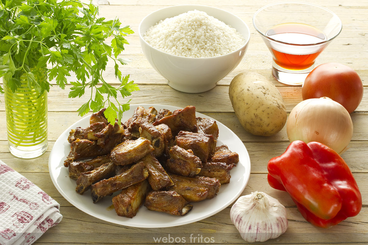 Ingredientes para el arroz con costillas y patatas