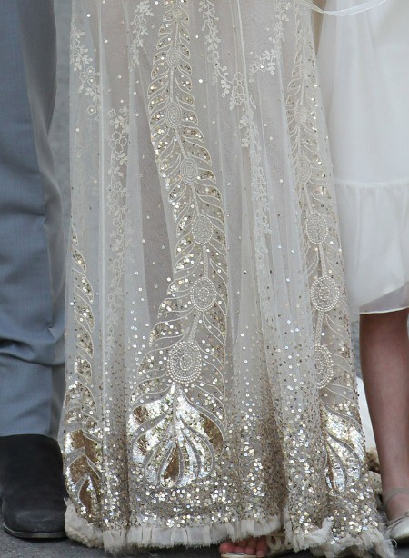 0701-4-kate-moss-wedding-dress-john-galliano-wedding-gown-jamie-hince-celebrity-weddings_we