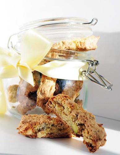 lemon-pistachio-biscotti