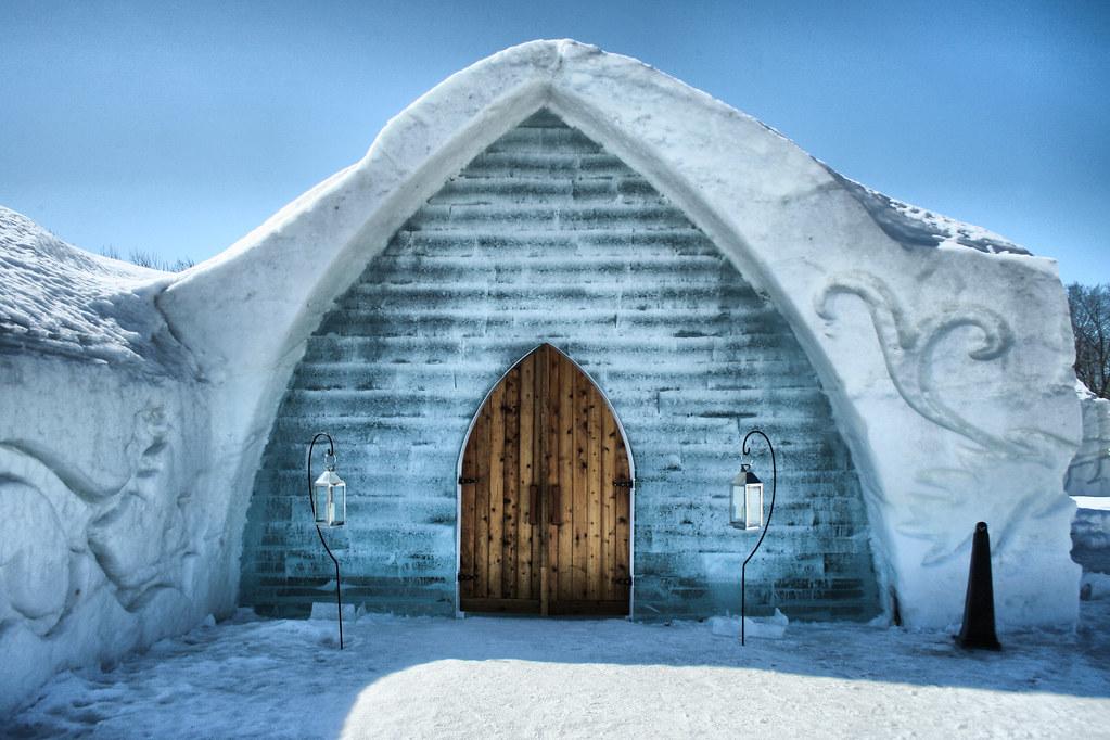 Entrée de l'Hôtel de glace