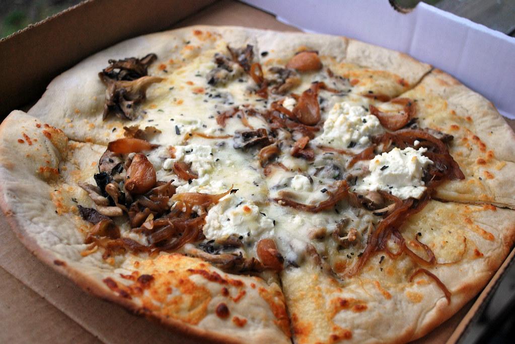 Fahrenheit Mushroom Pizza