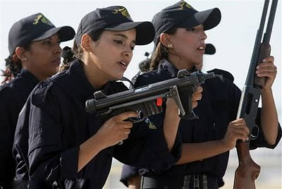 Military_Women_01