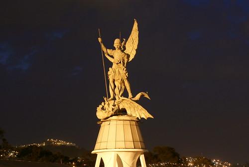 Angel sobre la ciudad by FotoMimo