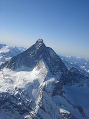 Rundflug mit Air Zermatt (Christine Amherd) Tags: creativity schweiz switzerland cosmopolitan suisse berge zermatt matterhorn ine wallis passionate 瑞士 스위스 mypassion スイス airzermatt швейцария runfdflug christinescreativityphotography christinesphotography