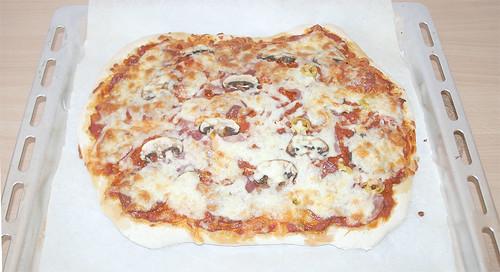 40 - Fertige Pizza