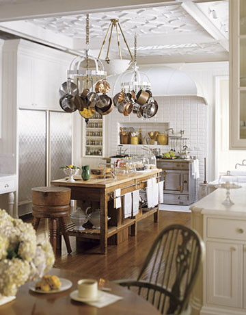 2-kitchen-otm-island-0408-House-Beautiful-Andrew-Skurman