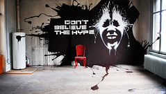 DON'T BELIEVE THE HYPE (DAN23-PHOTO) Tags: dan23