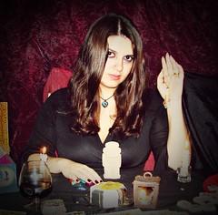 Bruja (OASN1987) Tags: woman mujer negro cartas velas vino cabello piedras bruja runas