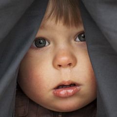 Looking Through (Kim Ledin) Tags: boy look eyes child looking feeling comfort feelings peeping