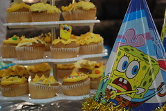 cupcake time (Lomi 67  ) Tags: pop cupcake sponge