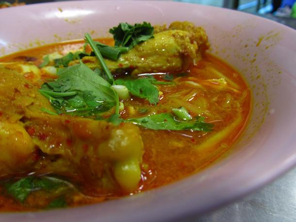 Kuay Teow Gaeng (ก๋วยเตี๋ยวแกง)