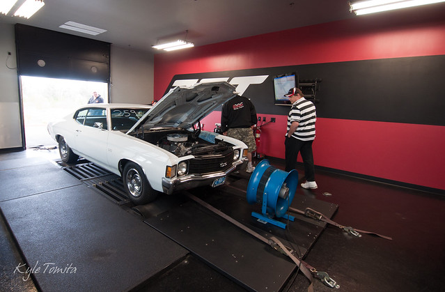 HeadsUp NW  dyno day at PSI 2011 - First car on dyno.JPG