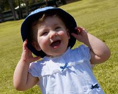 (jhonmarfotos) Tags: girl smile hat children nikon nios nia sonrisa sombrero d3000 {agreguesuspalabrasclavede
