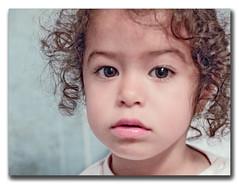 Inocencia.. (Blisco_O) Tags: portrait white art texture beautiful composition children kid europe arte time 10 retrato olympus nia 01 100 e1 zuiko 2011 1454mm bliscoo